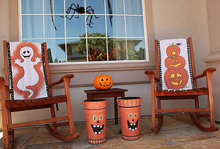 Halloween rocking chairs