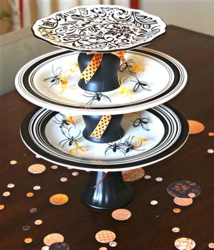 Tiered plate halloween