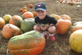 Hyrum at pumpkin patch