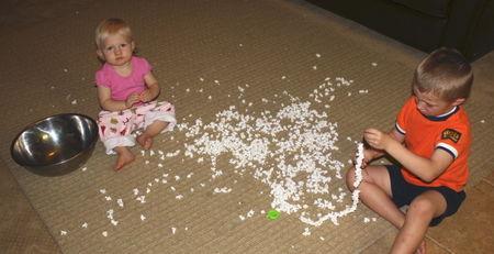 Kids and popcorn2
