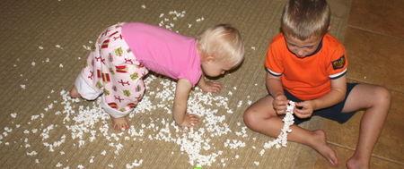 Kids with popcorn3