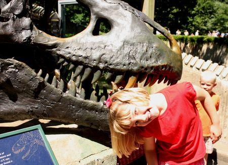 Eliza eaten by dino