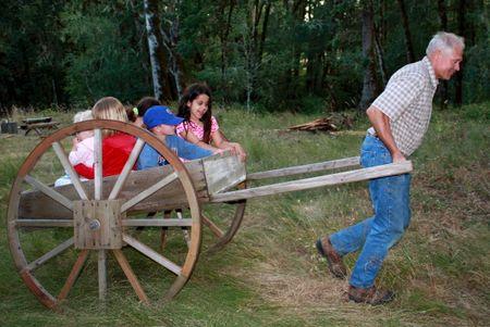 Gramps pulling handcart2