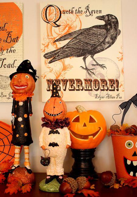 Halloween dining display2