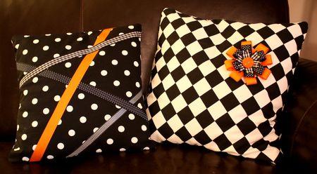 Halloween pillows2