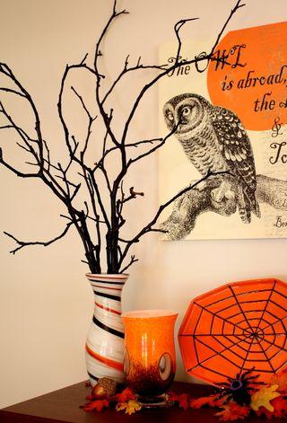 Halloween dining black tree