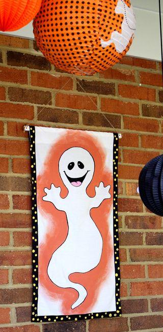 Front door ghostie