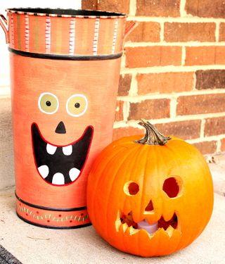 Front door pumpkin faces2