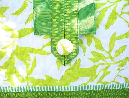 Spring bag detail