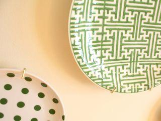 Plates green