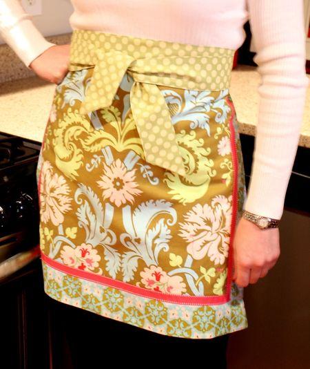 Half apron pink side