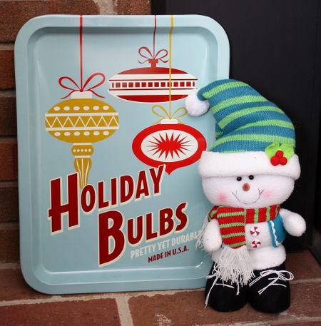 Holiday bulbs sign