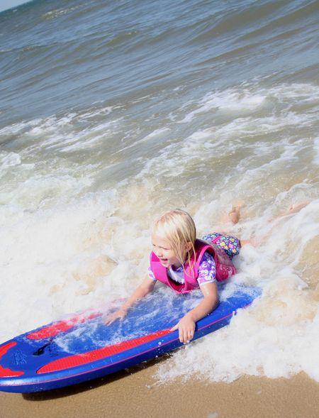 Hazel boogie boarding3