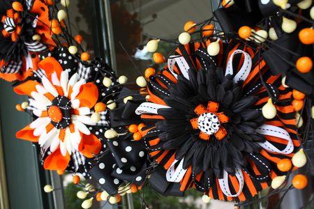 Flower bow wreath detail4