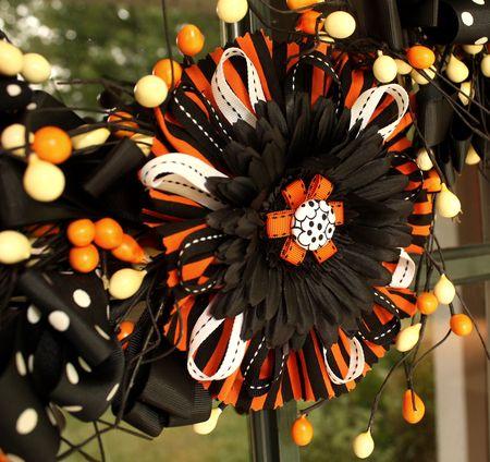 Flower bow wreath detail2