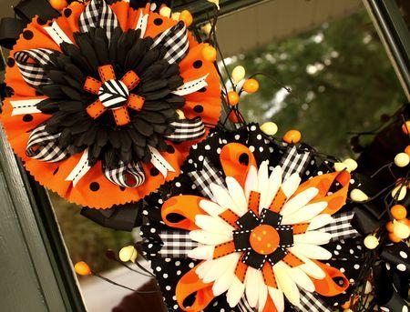 Flower bow wreath detail