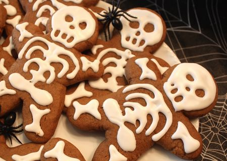 Gingerbread skeleton detail