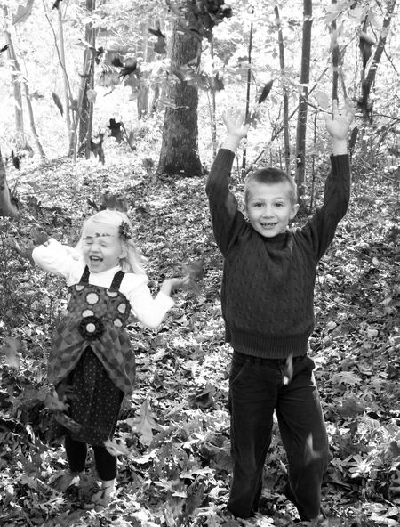 Kids-in-leaves3-bw