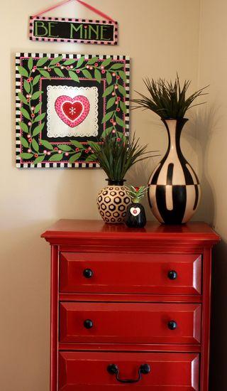 Valentine dresser