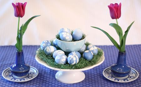 Egg table1