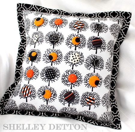 Button-tree-pillow2-with-name brightened