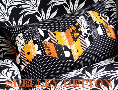 Zigzag-pillow-with-name