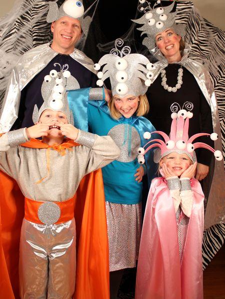 Family aliens2