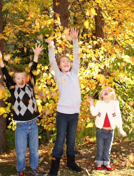 Kids with leaves3