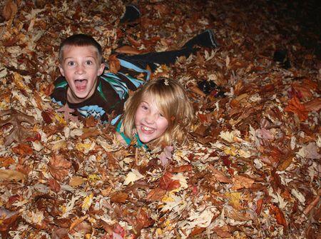 Kids in leaves2