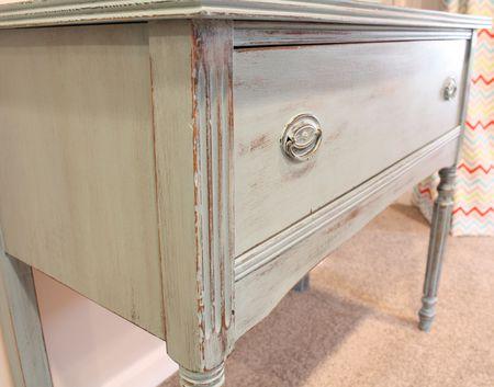 Foyer table detail2