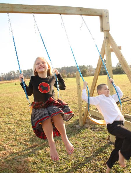 Kids swinging2