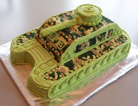 Tank cake2
