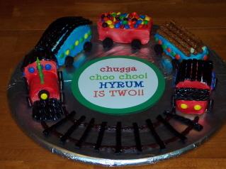 Hyrums_train_cake_blog2_3