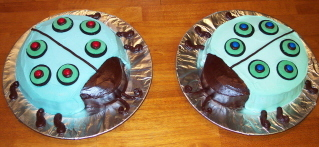 Twin_bugs_cakes_blog