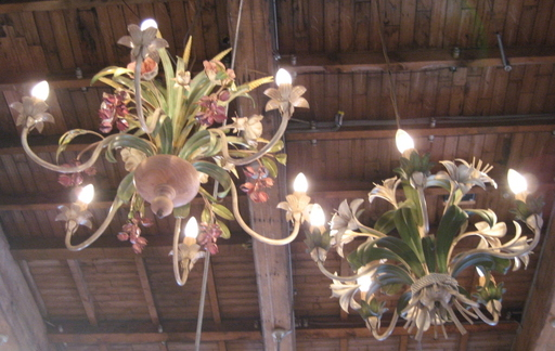 Floral_chandeliers_blog_2