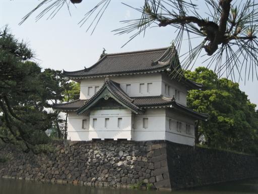 Imperial_castle_corner_moat_blog_2
