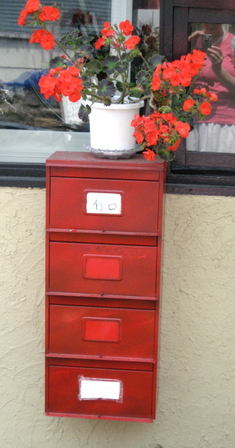 Red_mail_box_blog_2