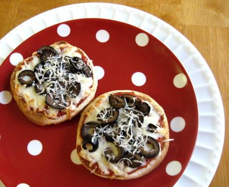 Hamburger_bun_pizza_blog